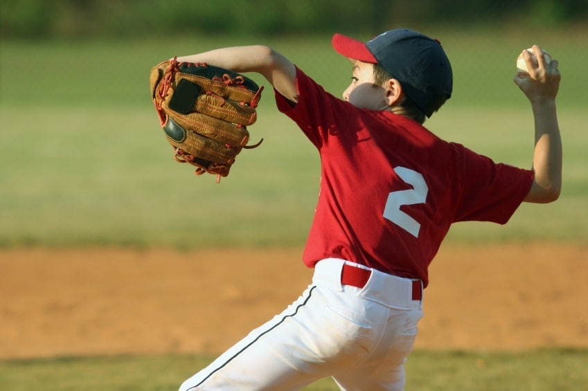 12 Best Youth Baseball Gloves for This Season | Dugout Debate